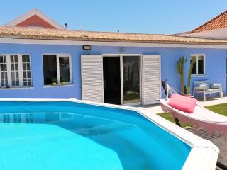 QUIET FAMILY VILLA 5 MIN FROM THE BEACH, Charneca da Caparica