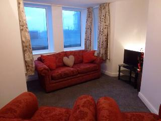 luxury 3 bedroom seaside apartment
