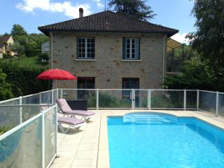 Dreamy flat with terrace, Jacuzzi & pool, Dordogne, Sarlat-la-Caneda
