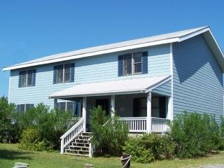 Channel House- Large waterfront home in Northern Pond, Ocracoke