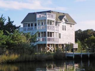 Good Medicine-Canal front home with expansive views.