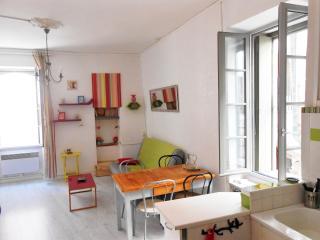 coquet T2 de 35 m2 dans rue piétonne, Collioure