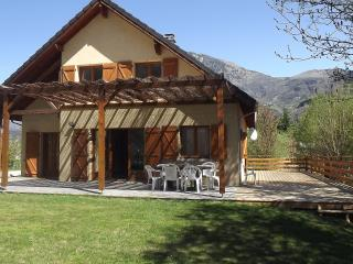 Maison Bord au Rive, Bike Friendly,  Garden & WIFI, Le Bourg-d'Oisans