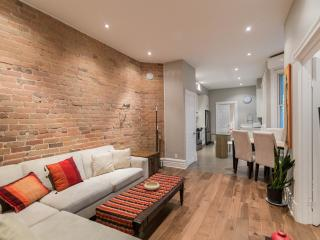 Renovated 3 + 1 Bedroom Plateau condo!, Montreal