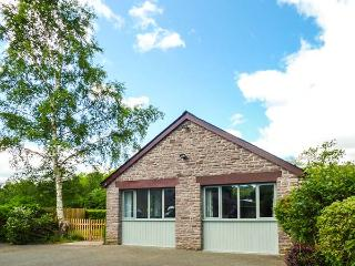 THE LODGE, LOWER TREFEDW, detached, ground floor, romantic retreat, WiFi, on Off