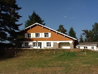 Large cottage for families/friends - 12 to 14, Saint-Agreve
