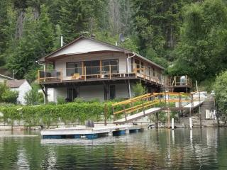 Adams Lake Vacation Suite Rental, Chase