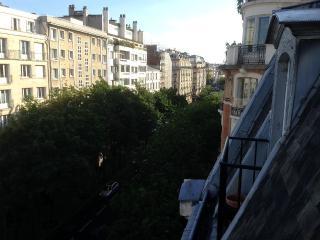 2 pièces tout confort Paris 16, Parijs