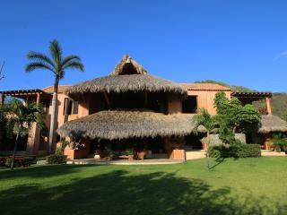 La Mariposa Luxury Beach Front Villa, Troncones