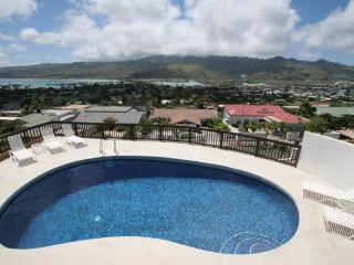 OCEANVIEW Ohana 3+BR, Heated Pool, Partial A/C, Honolulu