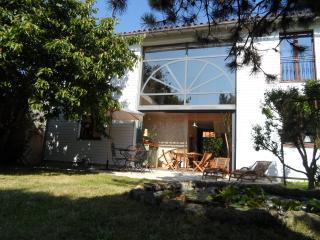 grande maison avec jardin ,situation idéale, La Rochelle