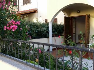 Bilocale piano terra con giardino, Olbia