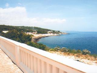 Villa S. Rita con terrazzo sul mare, Porto Tricase