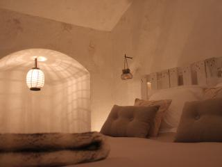 Sunset Cave House, Granada
