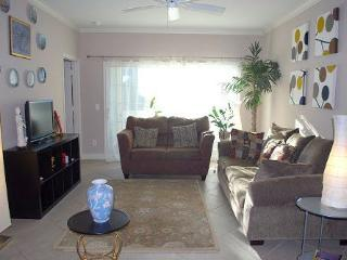 Welcome to a Little Piece of Paradise.Pet Friendly, Galveston