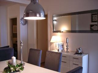 Apartment PUNTA center- 50m beach 4+2,50m2, Vodice
