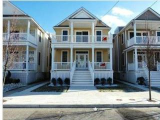 New construction one block to beach roof top deck, Ocean City