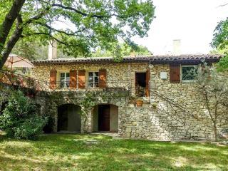 Maison aix en provence en site boisé très calme, Aix-en-Provence