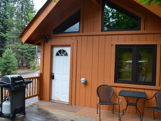 Lake Almanor Cabin, Lake Almanor Peninsula