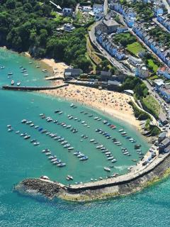 New Quay holiday home overlooking the harbour and beaches