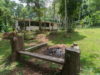 Western Comforts in mountains on a coffee farm - yet  55 minutes from Chiangmai!