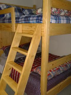 Queen sized beds Bunk North facing windows