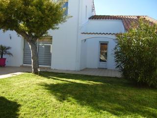 Villa, terrasse + jardin, près plage et commerces, Saint-Martin-de-Ré