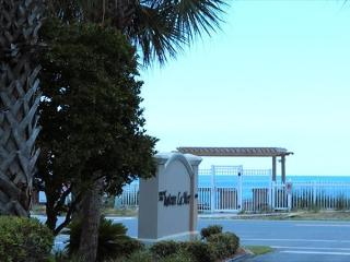 Chateau La Mer 16A, 1BR/1BA recently updated condo! Close to the beach!