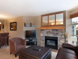 Woodrun Lodge #503 | 2 Bedroom Ski-In/Ski-Out Modern Condo, Scenic Views, Whistler
