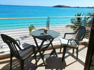 2 Bedroom Beachfront Condo!, Philipsburg