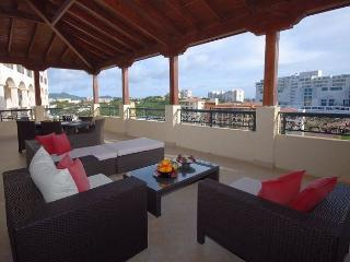 Caribbean Pearl - Spaciois 2 bedroom residence at Porto Cupecoy!, St-Martin/St Maarten