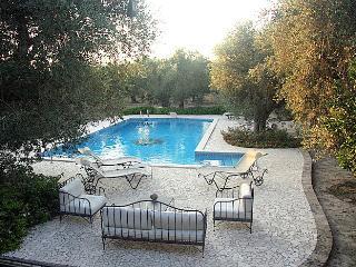 Elegante e confortevole è la zona relax ideale per godersi un meraviglioso fresco naturale...
