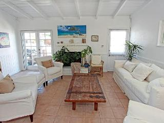 GREAT LOCATION FOR the FAMILY! BEST RELAXING BEACH HOUSE with LARGE BALCONY!!