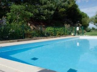 Cannes Mandelieu, Luxury Apartment + pools/air con