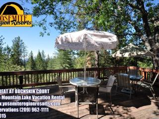 WIFI, Mountain Views, Large Deck, Near Yosemite, Groveland