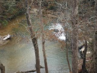 Lodge+Cabin,100-acre estate, 5BR/5BA, river, creek, trails; spring, $340/night