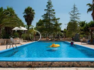 243 Confortevole Villa con Giardino, Felline