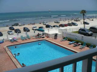 Spectacular Views Ocean Front Condo, Daytona Beach