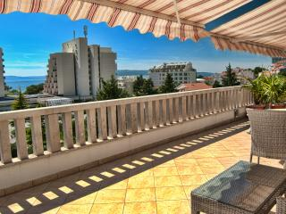TH00704 Apartments Grmoja / Studio A7, Makarska