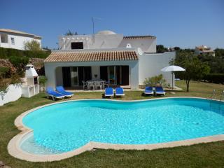 Club Albufeira Holiday Villa with Free WIFI