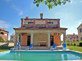 TH00467 Luxury Villa Astoria A3, Cabrunici