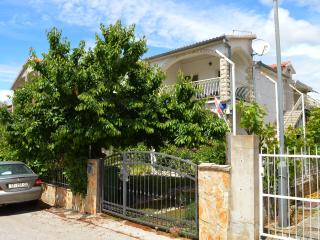 TH00571 Apartments Matic / A1 Green, Vodice