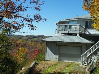 Marvelous Panoramic Mountain Views with Privacy, SKIING close by!, Beech Mountain