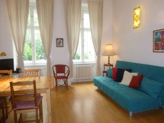 1 Bedroom Vacation Apartment in Berlin, Berlim