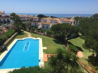 Cabopino townhouse with fantastic views