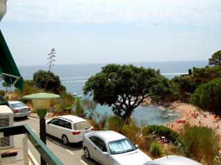 Apartamento en 1º linea de mar - 2- Cala Salions, Tossa de Mar