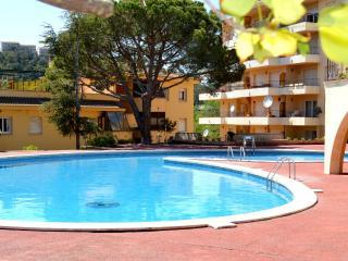 Estudio con terraza y piscina, Tossa de Mar