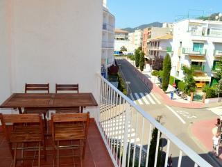 Soleado apartamento en Tossa del mar cerca de la Playa, Tossa de Mar