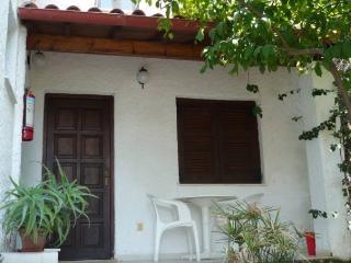 Villa Perris Front Studio with patio