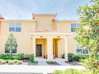 Beautiful Townhouse 4 BR, 3 BA, Sleeps 10, Kissimmee
